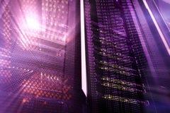 Εσωτερικό δωματίων κεντρικών υπολογιστών στο datacenter, πολυ έκθεση Στοκ εικόνα με δικαίωμα ελεύθερης χρήσης