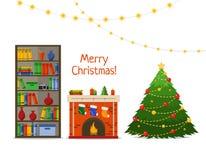 Εσωτερικό δωματίων Χριστουγέννων Χριστουγεννιάτικο δέντρο και εστία με τα δώρα, κάλτσες στη βιβλιοθήκη, επίπεδη διανυσματική απει διανυσματική απεικόνιση