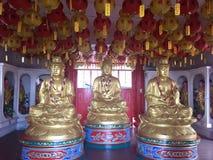 Εσωτερικό ενός βουδιστικού ναού σε Penang, Μαλαισία Στοκ φωτογραφίες με δικαίωμα ελεύθερης χρήσης