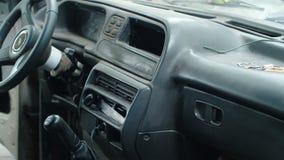 Εσωτερικό ενός παλαιού αυτοκινήτου απόθεμα βίντεο