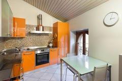 Εσωτερικό ενός σπιτιού, εσωτερική κουζίνα στοκ φωτογραφίες με δικαίωμα ελεύθερης χρήσης