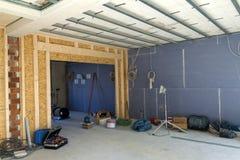 Εσωτερικό ενός σπιτιού κάτω από την κατασκευή Ανακαίνιση ενός apartme Στοκ φωτογραφία με δικαίωμα ελεύθερης χρήσης