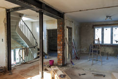 Εσωτερικό ενός σπιτιού κάτω από την κατασκευή Ανακαίνιση ενός apartme Στοκ εικόνες με δικαίωμα ελεύθερης χρήσης