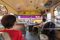 Εσωτερικό λεωφορείο στη Μπανγκόκ Στοκ εικόνες με δικαίωμα ελεύθερης χρήσης