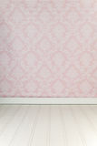 εσωτερικό εδρών κοντά στο εκλεκτής ποιότητας άσπρο παράθυρο Στοκ Εικόνες