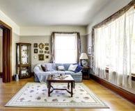Εσωτερικό καθιστικών στο παλαιό αμερικανικό σπίτι Στοκ Εικόνες