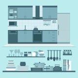 Εσωτερικό και ράφια κουζινών με τα πιάτα και τα μαγειρεύοντας εργαλεία φ Διανυσματική απεικόνιση