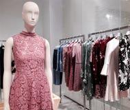 Εσωτερικό κατάστημα μόδας πολυτέλειας Valentino στο Τορόντο Στοκ εικόνες με δικαίωμα ελεύθερης χρήσης