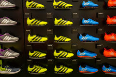 Εσωτερικό κατάστημα της Adidas στη λεωφόρο αγορών του Σιάμ Paragon στη Μπανγκόκ, Ταϊλάνδη Στοκ φωτογραφία με δικαίωμα ελεύθερης χρήσης