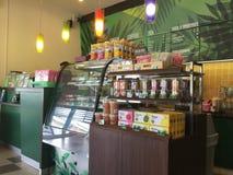Εσωτερικό κατάστημα του Αμαζονίου καφέ άποψης Στοκ φωτογραφία με δικαίωμα ελεύθερης χρήσης