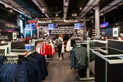 Εσωτερικό καταστημάτων λεσχών Ajax fotball στο χώρο του Άμστερνταμ, Κάτω Χώρες Στοκ Φωτογραφίες