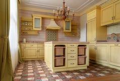 εσωτερικό κουζινών σε σύγχρονο στοκ φωτογραφίες