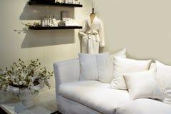 εσωτερικό λευκό SPA σχεδί&omic στοκ εικόνα με δικαίωμα ελεύθερης χρήσης