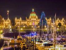 Εσωτερικό λιμάνι Βικτώριας που φωτίζεται Π.Χ. στα Χριστούγεννα και το νέο Υ Στοκ φωτογραφία με δικαίωμα ελεύθερης χρήσης