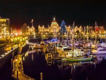 Εσωτερικό λιμάνι Βικτώριας που φωτίζεται Π.Χ. στα Χριστούγεννα και το νέο Υ Στοκ Εικόνα