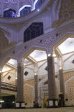 Εσωτερικό μουσουλμανικών τεμενών Putra Στοκ Φωτογραφίες