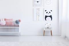 Εσωτερικό παιδιών ` s με τα σχέδια στοκ εικόνες με δικαίωμα ελεύθερης χρήσης