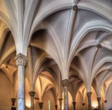 Εσωτερικό παλαιό μουσουλμανικό τέμενος Στοκ φωτογραφία με δικαίωμα ελεύθερης χρήσης