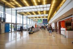 εσωτερικό πυλών αερολιμένων στη διάβαση πεζών Στοκ εικόνα με δικαίωμα ελεύθερης χρήσης