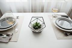Εσωτερικό σοφιτών πιάτων στοκ φωτογραφίες