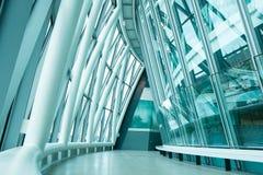 Εσωτερικό στο επιχειρησιακό κτίριο γραφείων, Λονδίνο Στοκ φωτογραφία με δικαίωμα ελεύθερης χρήσης