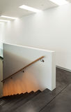 Εσωτερικό σύγχρονο σπίτι, σκάλα Στοκ Φωτογραφίες