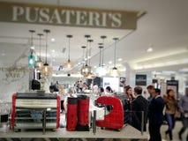 Εσωτερικό της αίθουσας τροφίμων Pusateri ` s στη Πέμπτη Λεωφόρος της Saks στο Τορόντο Στοκ Εικόνες