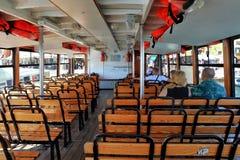 Εσωτερικό της βάρκας επιβατών στη Βενετία, Ιταλία Στοκ φωτογραφία με δικαίωμα ελεύθερης χρήσης
