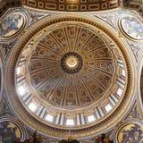 Εσωτερικό της βασιλικής του ST Peter, Βατικανό Στοκ εικόνες με δικαίωμα ελεύθερης χρήσης