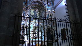 Εσωτερικό της καθέδρας του Σαντιάγο de Compostela απόθεμα βίντεο