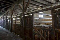Εσωτερικό της ξύλινης ουγγρικής σιταποθήκης στοκ εικόνες με δικαίωμα ελεύθερης χρήσης