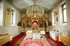 Εσωτερικό της ρωσικής Ορθόδοξης Εκκλησίας με τα παράθυρα Στοκ Εικόνες