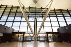 Εσωτερικό της σύγχρονης οικοδόμησης του αερολιμένα Lech Valesa Στοκ εικόνα με δικαίωμα ελεύθερης χρήσης