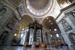 Εσωτερικό του Αγίου Peter Cathedral σε Βατικανό Στοκ Εικόνες