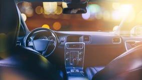 Εσωτερικό του αυτοκινήτου, του τιμονιού και του ταμπλό Στοκ Εικόνες