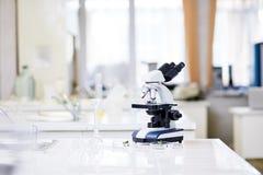 Εσωτερικό του εργαστηρίου χημείας Στοκ εικόνες με δικαίωμα ελεύθερης χρήσης