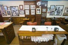 Εσωτερικό του εστιατορίου στο υποστήριγμα αερώδες στοκ εικόνες