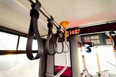 Μαύρη λαβή λεωφορείων Στοκ εικόνες με δικαίωμα ελεύθερης χρήσης