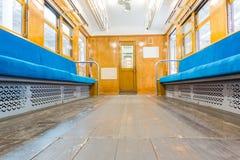 Εσωτερικό του ηλεκτρικού τραίνου με την επιχείρηση άδειων θέσεων transportat Στοκ φωτογραφία με δικαίωμα ελεύθερης χρήσης