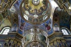 Εσωτερικό του ιερού καθεδρικού ναού Dormition σε Pochaev Lavra (Pocha Στοκ Φωτογραφίες
