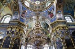 Εσωτερικό του ιερού καθεδρικού ναού Dormition σε Pochaev Lavra (Pocha Στοκ φωτογραφία με δικαίωμα ελεύθερης χρήσης