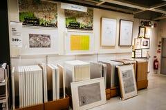 Εσωτερικό του μεγάλου καταστήματος της IKEA με ένα ευρύ φάσμα των προϊόντων στο Μάλμοε, Σουηδία Στοκ εικόνα με δικαίωμα ελεύθερης χρήσης