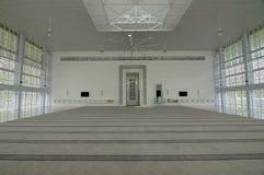 Εσωτερικό του μουσουλμανικού τεμένους Ara Damansara σε Selangor, Μαλαισία Στοκ Φωτογραφία