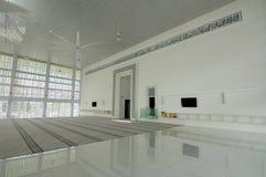 Εσωτερικό του μουσουλμανικού τεμένους Ara Damansara σε Selangor, Μαλαισία Στοκ εικόνα με δικαίωμα ελεύθερης χρήσης