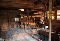 Εσωτερικό του παλαιού μύλου αλευριού - του χωριού μουσείο Suceava Στοκ φωτογραφία με δικαίωμα ελεύθερης χρήσης