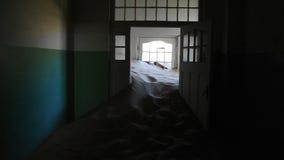 Εσωτερικό του σπιτιού στη πόλη-φάντασμα Kolmanskop Στοκ Εικόνα