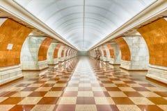 Εσωτερικό του σταθμού μετρό Pobedy πάρκων στη Μόσχα, Ρωσία Στοκ εικόνες με δικαίωμα ελεύθερης χρήσης