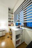 Εσωτερικό του δωματίου ενός σύγχρονου σπουδαστή Στοκ Εικόνες