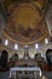 Εσωτερικό του della Santissima Annunziata βασιλικών στη Φλωρεντία Στοκ Φωτογραφία