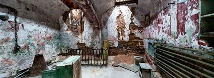 Εσωτερικό φυλακών με σκουριασμένο και grunge Στοκ Εικόνα